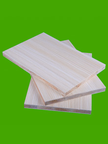 马六甲生态板(雨丝银橡)